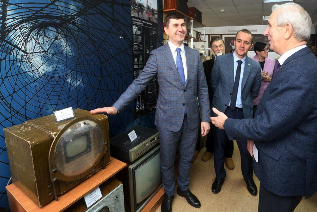 Новый музей радио- и электронной техники открылся в ТУСУРе